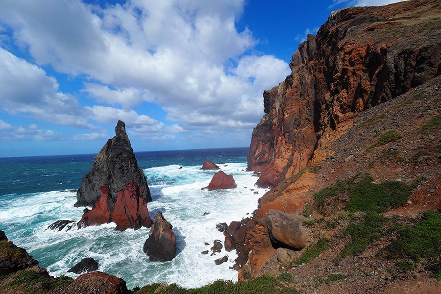 Wandern auf der Ponta de Sao Lourenco - Klippen